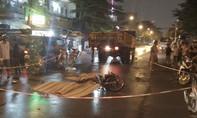 Xe tải tông xe máy ở ngã tư không đèn, 3 người chết