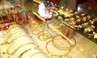 Giá vàng hôm nay 2-8: Giảm từ đỉnh cao