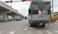 Xe tải mất lái gây tai nạn trên QL1 khiến 2 người trọng thương