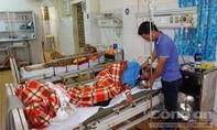 13 người nhập viện sau bữa nhậu với tiết canh dê