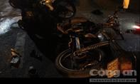 Hai xe máy đối đầu, 4 người thương vong trong đêm