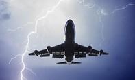 Máy bay Nhật Bản bị sét đánh khi hạ cánh xuống sân bay Nội Bài