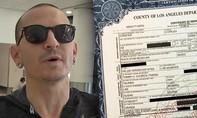 Trưởng nhóm Linkin Park tự tử bằng thắt lưng da