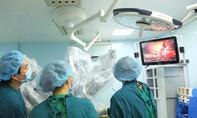 Lần đầu tiên sử dụng robot phẫu thuật ung thư gan