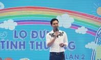 MC Phan Anh nhận đỡ đầu 10 trẻ mồ côi