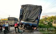 Xe đầu kéo tông đuôi xe tải, một tài xế bị thương