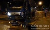 Xe máy tông trực diện xe tải, hai thanh niên tử vong