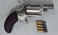 Truy bắt kẻ bóp cổ, dùng súng bắn người phụ nữ