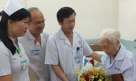 Can thiệp nội soi mật tụy ngược dòng cứu sống Mẹ Việt Nam anh hùng 104 tuổi
