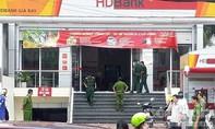 Chưa bắt được đối tượng liên quan vụ cướp ngân hàng, nhiều hình ảnh tuyên truyền không có thực