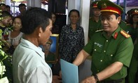 Thăng cấp bậc hàm trước niên hạn đối với đồng chí Phạm Phi Long