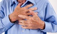 Một bảo vệ lên cơn đau tim suýt chết sau ca trực đêm