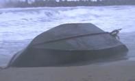 Phát hiện tàu đắm và 8 thi thể trôi dạt vào bờ biển