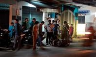Cô gái bị xịt hơi cay cướp xe máy ở Sài Gòn