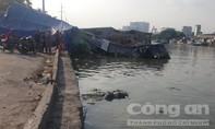 TP.HCM: Công nhân vớt rác tá hỏa khi vớt phải… tử thi