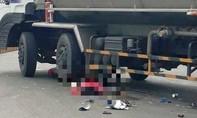 Xe bồn cuốn xe máy vào gầm, 2 phụ nữ thương vong