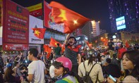 Người hâm mộ cuồng nhiệt mừng chiến thắng của U.23 Việt Nam