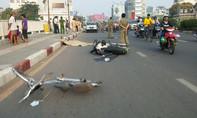Người nước ngoài đi xe máy gây tai nạn chết người lúc sáng sớm