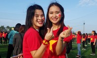 """Nữ sinh Hà Tĩnh: """"Chúng em tin U23 Việt Nam sẽ chiến thắng"""""""