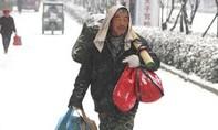Người lao động Trung Quốc bắt đầu 'hành trình' về quê
