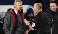 HLV Wenger bị Ban kỷ luật  'sờ gáy' trước đại chiến với Chelsea