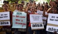 Ấn Độ: Bé gái 8 tháng tuổi bị xâm hại đến nguy kịch