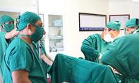 Mổ khẩn sau 12 phút cứu sản phụ và thai nhi bị sa dây rốn