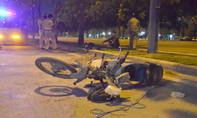 Nam công nhân tử vong bên xe máy trên đại lộ Mai Chí Thọ
