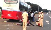 Xe khách va chạm với xe máy, nữ hiệu phó tử vong thương tâm