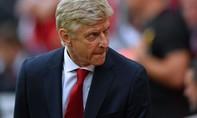 Chỉ trích trọng tài, HLV Wenger bị cấm chỉ đạo ba trận, nộp 54.000 USD