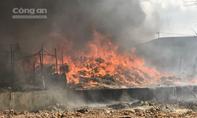 Cháy lớn tại Bình Dương, thiêu rụi trường mầm non và nhiều ngôi nhà