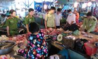 Phát hiện thịt bò chứa hàn the được bày bán ngoài chợ
