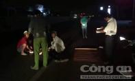 Thanh niên nằm chết trên QL1A nghi do xe cán