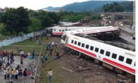 Đoàn tàu hoả trật bánh ở Đài Loan, gần 200 người thương vong