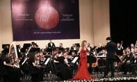 Tiếp tục bùng nổ với giai điệu của Mozart và Tchaikovsky