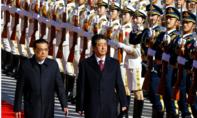 """Thủ tướng Nhật thăm Trung Quốc: Chuyến công du """"phá băng"""""""