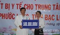 Tặng thiết bị y tế cho huyện Phước Long, Bạc Liêu
