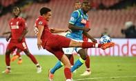 Thua Napoli, Liverpool rơi xuống nhóm cuối bảng