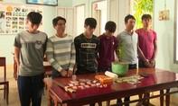 Bắt nhóm đối tượng tàng trữ gần 200 gói ma túy