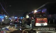 Cháy kho hàng ở Sài Gòn, khu dân cư náo loạn