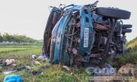 Tai nạn kinh hoàng giữa 3 ô tô và 2 xe máy, 4 người thương vong