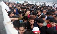 Trận Việt Nam - Malaysia: Vé tặng nhiều hơn vé bán?