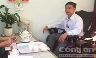 Chủ tịch xã bị con nghiện hành hung khi bắt xe khai thác đất