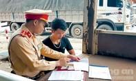 Thượng úy CSGT hết lòng vì nhiệm vụ, quên mình cứu người