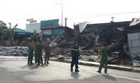 Cháy lớn làm sập dãy ki-ốt, 1 người  tử vong vùi trong đống đổ nát