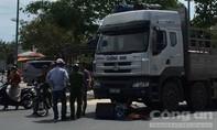 Xe tải tông xe lăn, người đàn ông tật nguyền bán vé số tử vong
