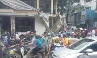 Sập sàn công trình ở Sài Gòn, 2 công nhân bị vùi lấp nguy kịch