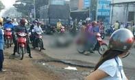 Xe máy né ổ gà trên đường, bé 3 tuổi tử nạn thương tâm