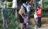 Báo Công an TP.HCM hỗ trợ trẻ không cha, mẹ tâm thần