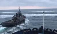Tàu tuần tra Nga nổ súng trấn áp 3 tàu Ukraine trên Biển Đen